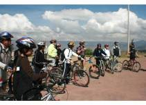 Picture of Bicyclists in Peru